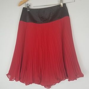 NWT The limited red pleated mini skirt size xs